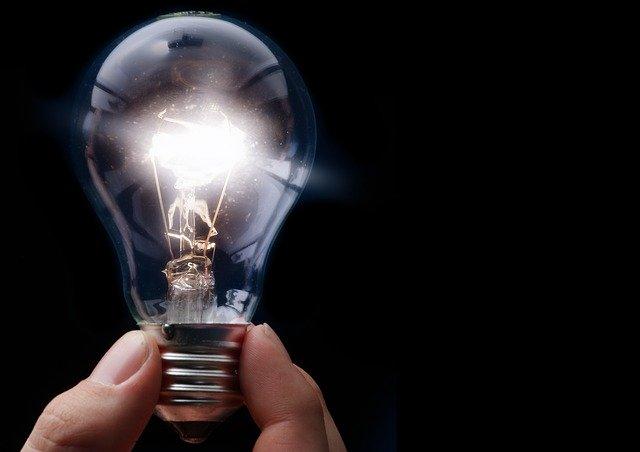 light-bulb-2722916_640