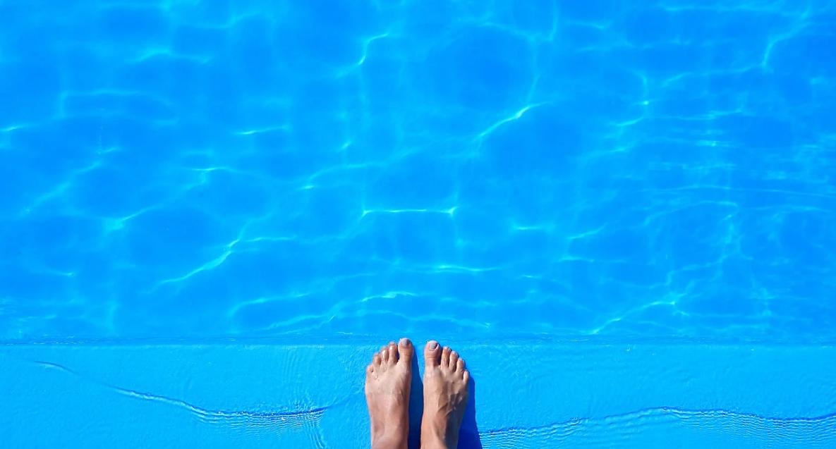 nohy a bazé