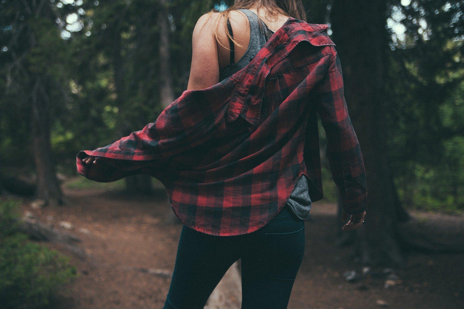 žena v přírodě